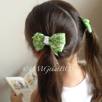 OMG that Green Damask PIGGY set-pig tail set bows-baby bow- girls bow-basic bows-boutique bow-mini boutique hair bows