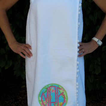lilly pulitzer circle applique with circle monogram towel wrap with pom pom fringe