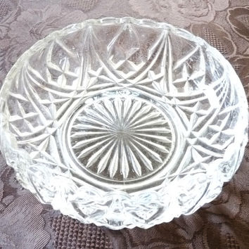 Fruit Bowl, Dessert, Trifle, Pressed Glass, Retro, Mid Century, Scalloped Edge, Lotus Flower Shaped