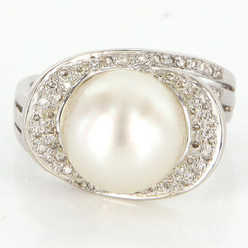Vintage 14 Karat White Gold Diamond Cultured Pearl Large Cocktail Ring Estate Jewelry