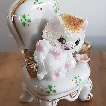 Vintage kitty Cat On A Chair Figurine kitsch kitten Sugar Glaze Made In Japan