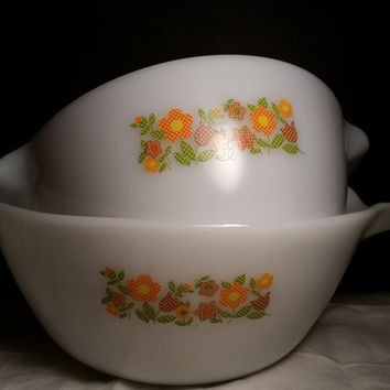 Gingham Floral Anchor Hocking Fire King Nesting Bowls Milk Glass w. Floral Pattern of Plaid Tulips and Daisies # 4 & 11 with Pour Spout