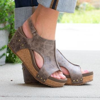 London Distressed Brown Wedges