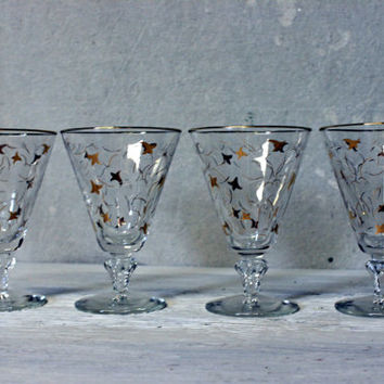 mid centuy libbey footed champagne glasses // royal fern pattern // set of four // 1950s