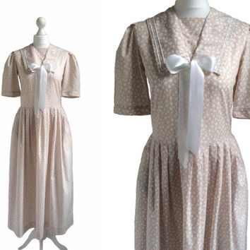 Vintage Laura Ashley Dress - Fawn Floral Print Dress - Sailor Collar - 80's Dress