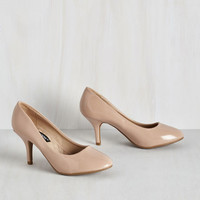 Minimal Boogie Downtown Heel in Beige