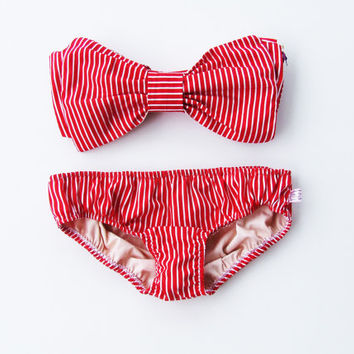 Vintage Bikini Bow Bandeau Sunsuit .DiVa Halter Neck Bra Top. Red and White Stripe Sunbathing. Sexy and cute. Bra Top