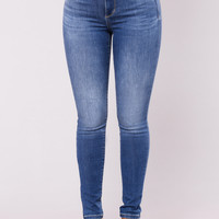 Cleya High Rise Jeans - Medium