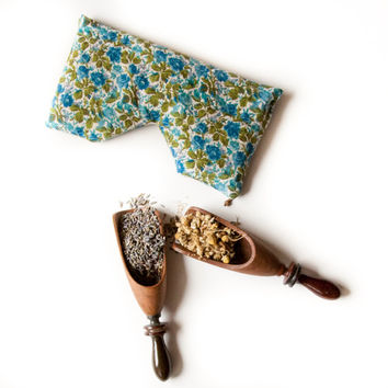 Lavender Chamomile relaxing aromatherapy eye pillow with flax seeds.  Relaxation and meditation yoga eye pillow.