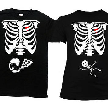 b74e654fc0fbe Halloween Pregnancy Announcement Skeleton Shirt Couples Costume