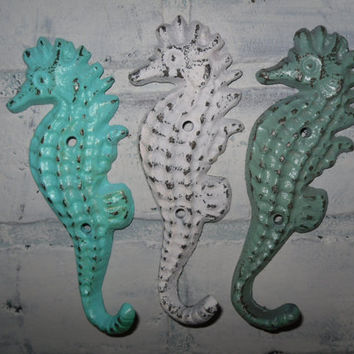 Seahorse Hook Trio / Metal wall Hook/ Cast Iron / Nautical Decor / Beach Decor / Bathroom Hook / Shabby Chic Decor