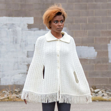 vintage crochet cape / white cape / 60s cape / womens cape coat / crochet capelet / knit cape / womens capes / sweater cape / knit capelet