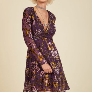 From the Flaunt to the Back Velvet Dress | Mod Retro Vintage Dresses | ModCloth.com