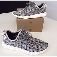 One-nice™ Fashion Adidas Yeezy Boost Solid color Leisure Sports shoes gray black dots