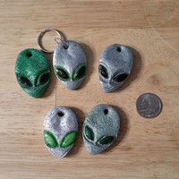 Alien KeyChain, Alien Head Key chain, Alien Key Chain, Green Alien Key Chain, Cool Key Chain, Aliens, Ancient Aliens, Glow in the Dark Alien