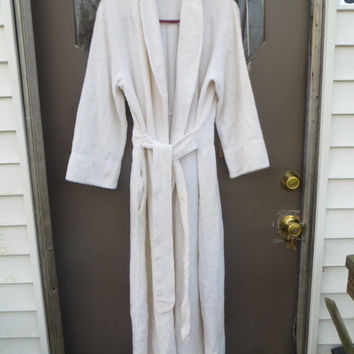 Vintage 70s white Chenille ROBE - white Chenille Lines - Vintage Styled By jcpENNY white  Chenille BATHROBE  med to large