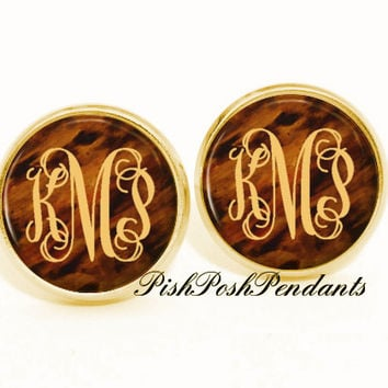 Tortoise S Monogram Earring Stud Earrings Mono