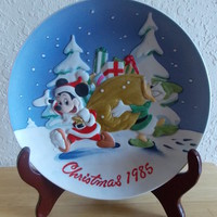 "1985 Disney Collection Mickey and Donald ""Santa's Helpers"" Collector's Plate"