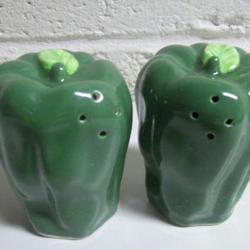 Vintage 60s Green Pepper Vegetable Salt Pepper Shakers JAPAN Kitchen