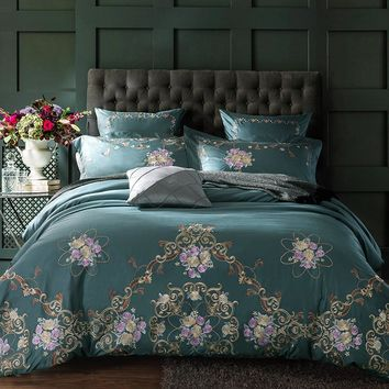 Royal Green Floral Embroidered Bedding Set (Egyptian Cotton)