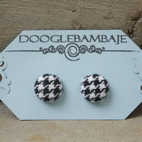 Classic Houndstooth Design- Black & White Houndstooth Tight Weave Fabric Button Earrings- Wedding Bridesmaids- Classy Line