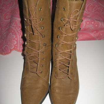 Vtg Leather Chicory Sport, victorian style lacers ankle boots Womans Size 8 1/2 M