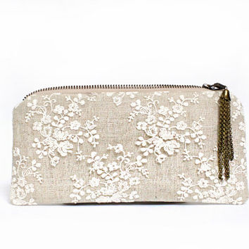 Linen and lace clutch purse, Vintage Wedding Idea, personalized bridesmaids gifts