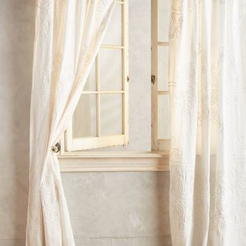 Tessara Curtain