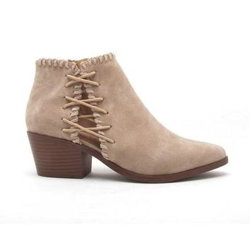 Whipstitch Booties in Oatmeal