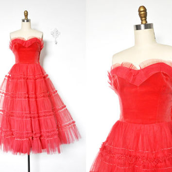 Vintage 1940's/1950's Raspberry Sorbet Velvet and Tulle Prom Dress