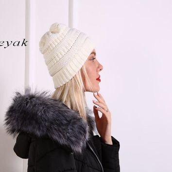 seyak 2017 Autumn Winter Wool Knit Slouchy Hat for Women and Girls Cross Caps Women Wool Knit Beanie Braided Hats Stocking Hat