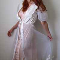 1970s Bedroom Beauty Peignoir Set White Pink Lace by gogovintage