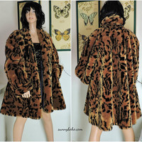 Vintage tiger faux fur coat / size M / L / plush knee length tiger fake fur swing coat / retro animal print faux fur / SunnyBohoVintage