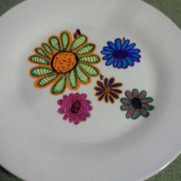 Beauitufl Zentangle Multi Color Daisy Painted Plate with Ladybugs Gift Giving Holidays Home Decor Cookies Fudge