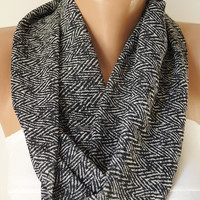 Chevron lnfinity Scarf, Circle Scarf, Cowl Scarf, Loop Scarf, Black ad White colors chevron chiffon cowl