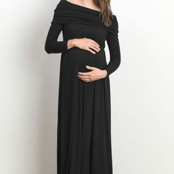 Canyon Run Off Shoulder Maternity Maxi Dress