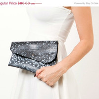 SALE Woman clutch bag, Crossbody purse, Recycled inner tube ,Printed clutch in black and white