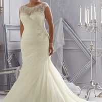 Distinctive Design Plus Size Wedding Dresses Mermaid  Wedding Gown Scoop Crystal Beaded Embroidery Organza Wedding Dress