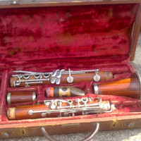 Vintage Antique CONN PAN AMERICAN Red Propeller Wood Clarinet - Rare - Unique Instrument - Orginal Pan American Case