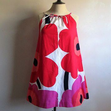 60s KARELIA Floral Dress Marimekko Cotton Red Pink Big Floral Print 1960s Trapeze Gogo Mini Summer Dress Small Made in Finland