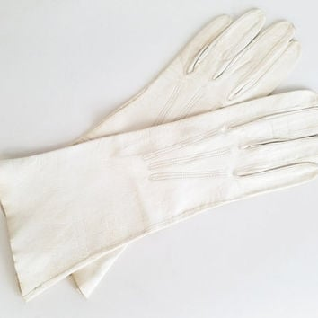 Vintage 60s Kid Skin Gloves Vintage 1960s White Gloves Vintage Leather Gloves Soft Leather Gloves Womens Gloves Glove Size 6