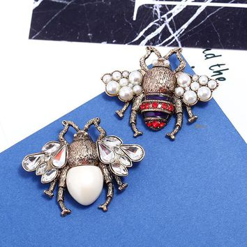 Retro corsage three-dimensional pearl pin cute new bee brooch