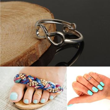Adjustable opening 8 words ring