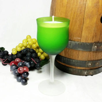 Wine Glass Soy Candle/Scented Soy Wax Candle/Winery Vineyard Grape Home Decor Oakmoss and Amber Scent/Bar decor
