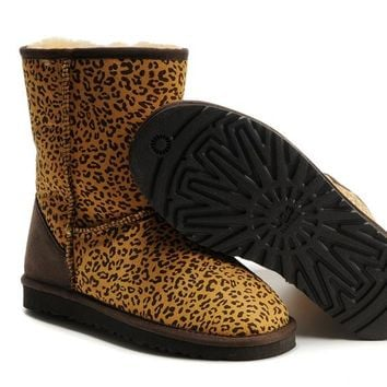 UGG 5825 snow boots  leopard