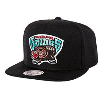 ONETOW Vancouver Grizzlies Mitchell & Ness Logo Snapback Cap Hat Black