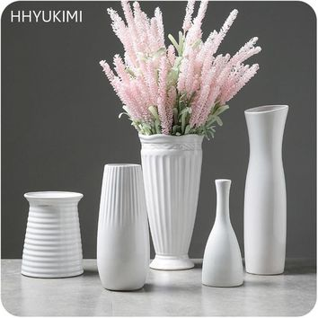 HHYUKIMI Classic Ceramic Vase Jewelry Arts And Crafts Decor Contracted Porcelain Flower Vase Creative Gift Household Decoration