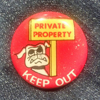 Vintage Private Property Keep Off Bulldog Pin, Guard Dog Button