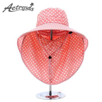 [AETRENDS] 2017 Summer Women Bucket Hats for Women Wide Brim Beach Sun Hat with Mask for Full UV Protection Ladies Cap Z-5159