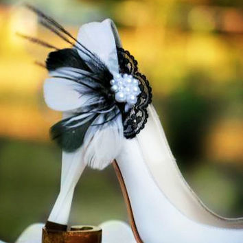 Black & White Feathers Lace - Pearls Shoe Clips. Autumn Couture Statement Bridal Bride Bridesmaid. Made to Match Gift Shabby Chic Wedding